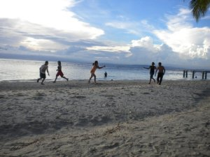 Frisbee in Samal Island